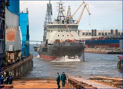 Экипаж строящегося ледокола «Илья Муромец» уже осваивает новое оборудование