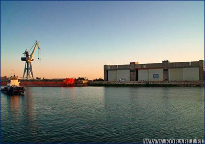 Судостроительный завод «Лотос» заключил контракты на строительство двух судов