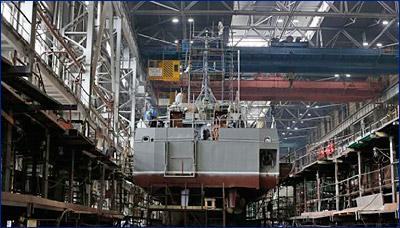 ВМФ получит два новейших морских транспорта вооружения проекта 20360М