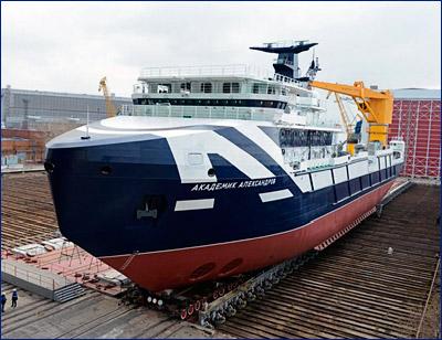 «Академик Александров» из спасательного буксира превратился в океанографическое судно