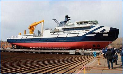 Самый мощный в России судовой кран «С2500» установлен на судно «Академик Александров»