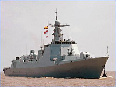 Китайский ракетный эсминец потерял ход в Индийском океане