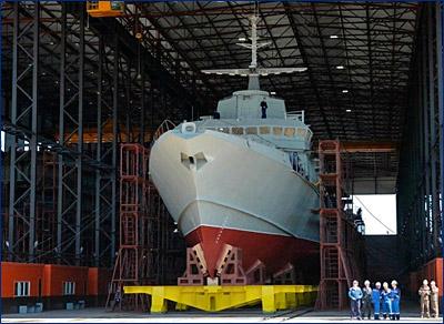 Торжественный спуск на воду головного малого ракетного корабля проекта 22800 «Ураган»