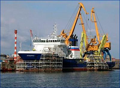 Судно «Эльбрус» вышло на контрольные испытания в Балтику