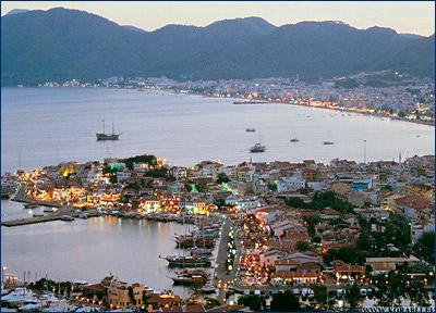 В Турции потерпела крушение яхта с туристами, есть погибшие