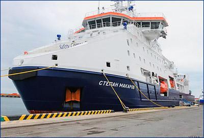 Ледокольное судно обеспечения «Степан Макаров» начал работу на проекте «Сахалин-2»