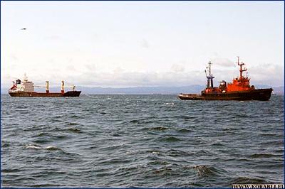 Осуществлена буксировка аварийного судна «Порт Мэй» в порт Корсаков