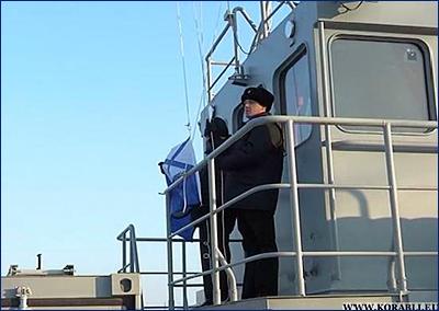 На новейшем модульном водолазном катере-катамаране ТОФ торжественно поднят Андреевский флаг