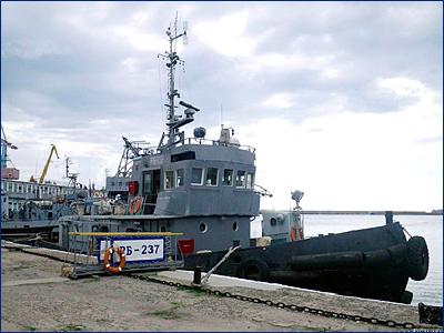 Буксиры Черноморского флота завершили буксировку аварийного сухогруза в Чёрном море