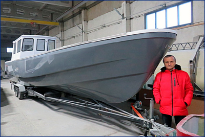 На «Псковской лодочной верфи» начато серийное производство малого промыслового судна