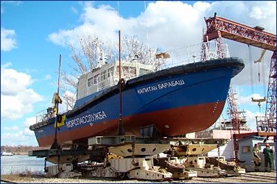 ЯСЗ спустил на воду катер-бонопостановщик проекта А40-2Б-ЯР «Капитан Барабаш»