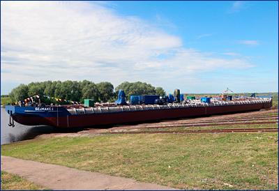 Окская судоверфь сдала в эксплуатацию вторую несамоходную наливную баржу «Белмакс 2» проекта ROB20