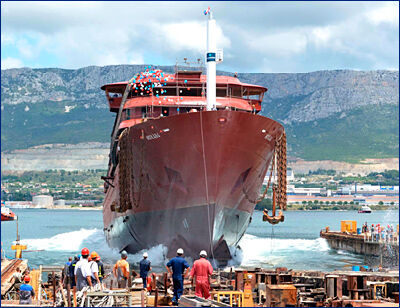 Экспедиционное круизное судно ледового класса «Hondius» спущено на воду