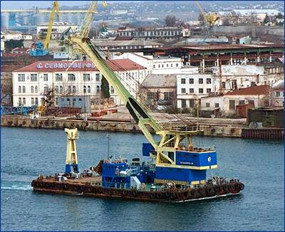 Производство тяжелых плавучих кранов будут развивать на Севморзаводе
