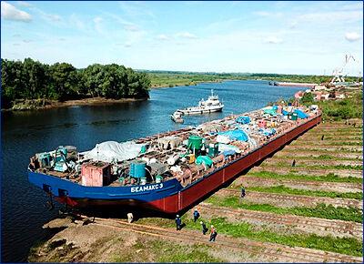 Окская судоверфь сдала третью «двухкорпусную» нефтеналивную баржу «Белмакс 3» проекта ROB20