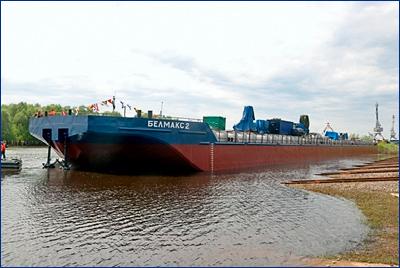 Окская судоверфь спустила на воду наливную баржу «Белмакс 4» проекта ROB20