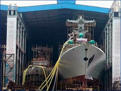 На воду спустили тридцатый ракетный фрегат для ВМС Китая