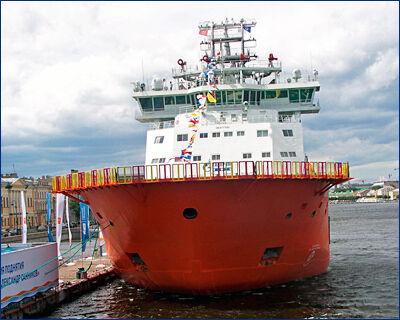 Ледокол «Александр Санников» готовится к своему первому походу в Арктику в кронштадтском доке