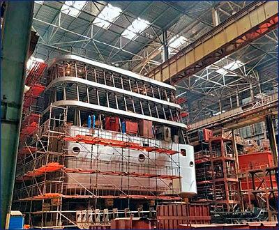 На заводе «Лотос» завершено формирование корпуса круизного теплохода проекта PV300VD «Петр Великий»
