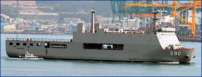 В Индонезии спустили на воду новый десантный корабль-док
