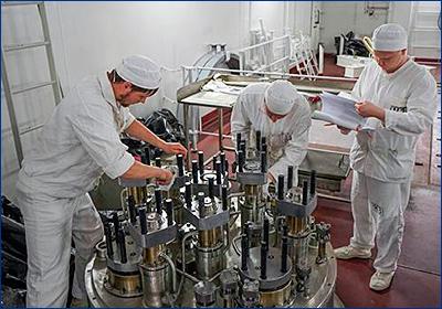 На ПЭБ «Академик Ломоносов» началась загрузка топлива в реактор левого борта
