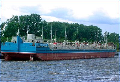 Самусьский ССЗ приступил к строительству нефтеналивных барж