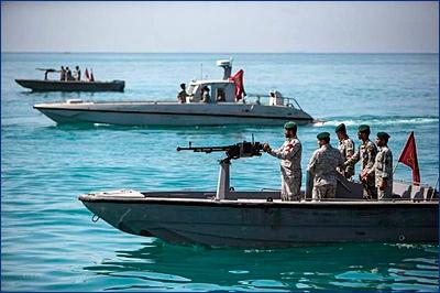 CNN: иранские катера пытались остановить британский танкер