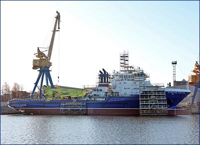«Северная верфь» готовит судно тылового обеспечения «Всеволод Бобров» к вселению экипажа