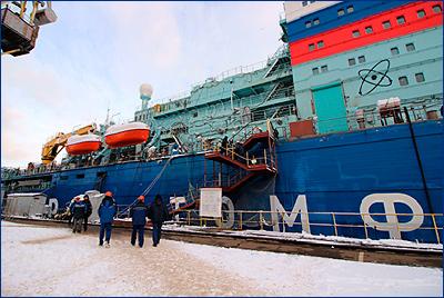 Ледокол проекта 22220 «Арктика» не прошел швартовных испытаний
