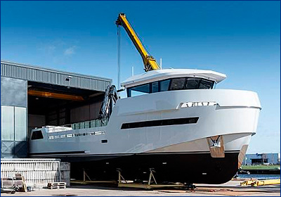 Яхта Roe Shadow спущена на воду на Lynx Yachts